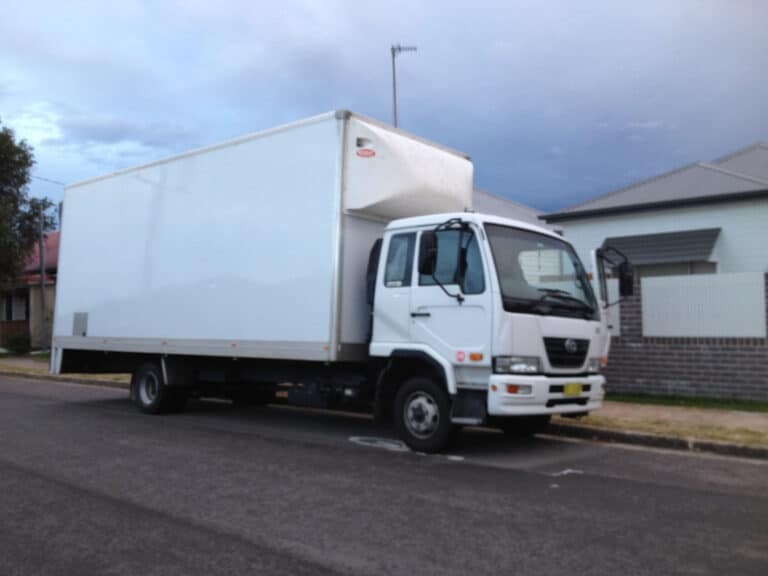 Removalists Newcastle - Sunset Removals Newcastle